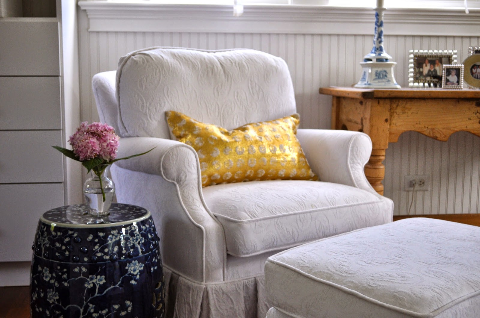 The Simplicity Of This Quatrine Reading Chair Provides The Perfect Backdrop  For A Bright, Fun Pillow Or Side Table. My Mom Loves Using Quatrine  Furniture ...